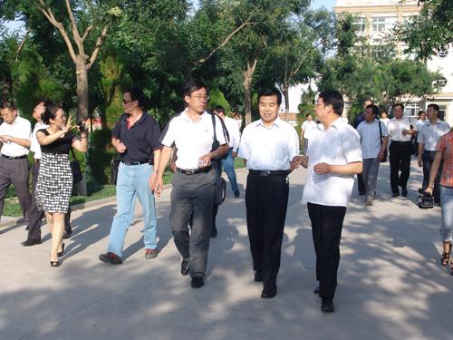 教育厅党组副书记陈保平同志与河北省高校考察团代表来我院交流
